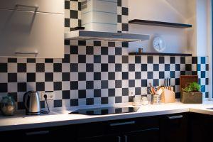 Pinta tú mismo los azulejos de la cocina paso a paso
