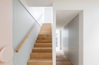 escalera-madera-tomo-pastel