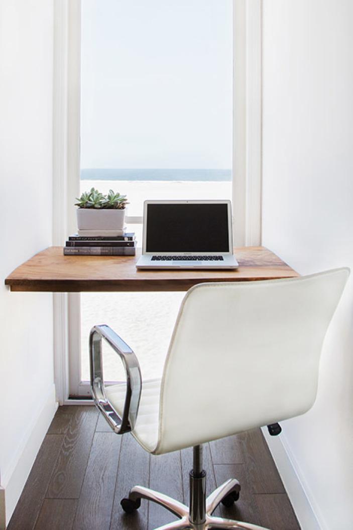 escritorio-casa-playa-los-angeles-Homepolish