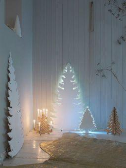 Un árbol lleno de luz