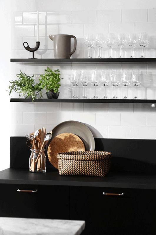 estantes-cocina-blanco-negro