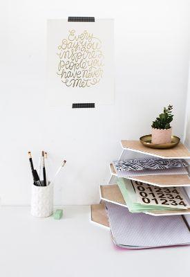 diy-soporte-rincon-alambre-escritorio