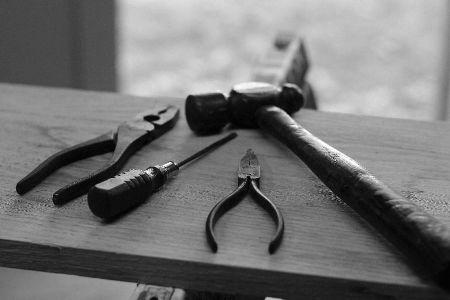 herramientas seguras para trabajar madera