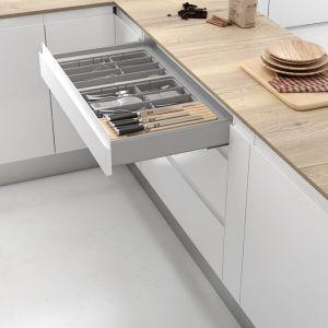 Cubertero para organizar los accesorios de menaje que se adapta a cualquier medida de anchura y fondo de cajón