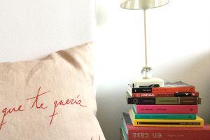 Decora con libros tu dormitorio