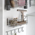 Estante para almacenar cosas d emanera ordenada en una cocina moderna y funcional