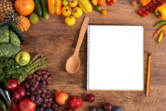 Organiza en una lista todo lo que necesitas para tu comida de Navidad