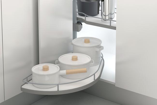 Trucos para aprovechar el espacio de los armarios rinconeros de cocina