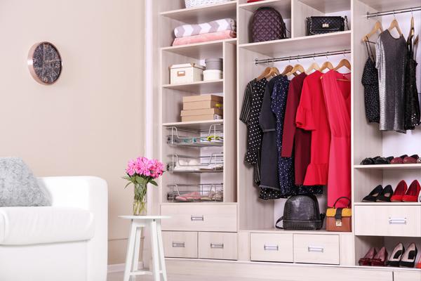Organiza el armario para tener tu vestidor más ordenado