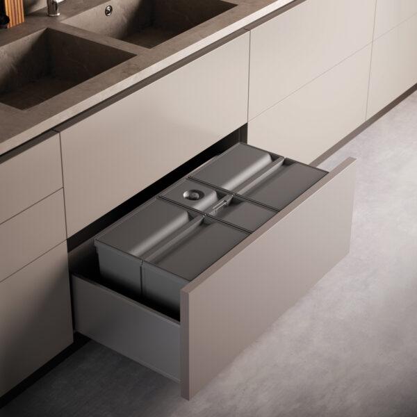 Cubos de reciclaje para instalar en el interior de un cajón de cocina moderna y optimizada