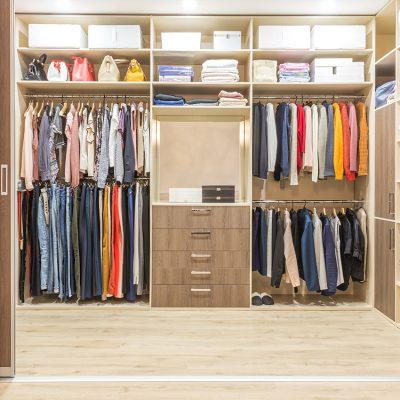 Cómo organizar la ropa de invierno en el armario