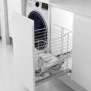 Cesto ropa limpia colada en orden
