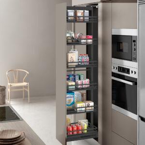 Columna extraíble para muebles altos de cocina. Con ella puedes ordenar todo de manera funcional para tener una cocina moderna