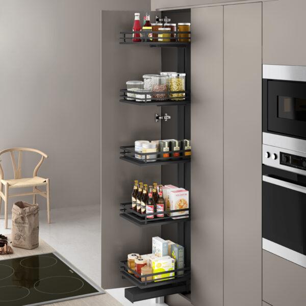 Despensa extraíble para ordenar las cosas en los muebles altos de una cocina moderna y funcional