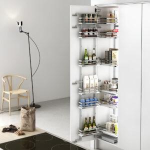 Columna extraíble para mueble despensero de cocina, con el cual se ahorra espacio en una cocina moderna y funcional
