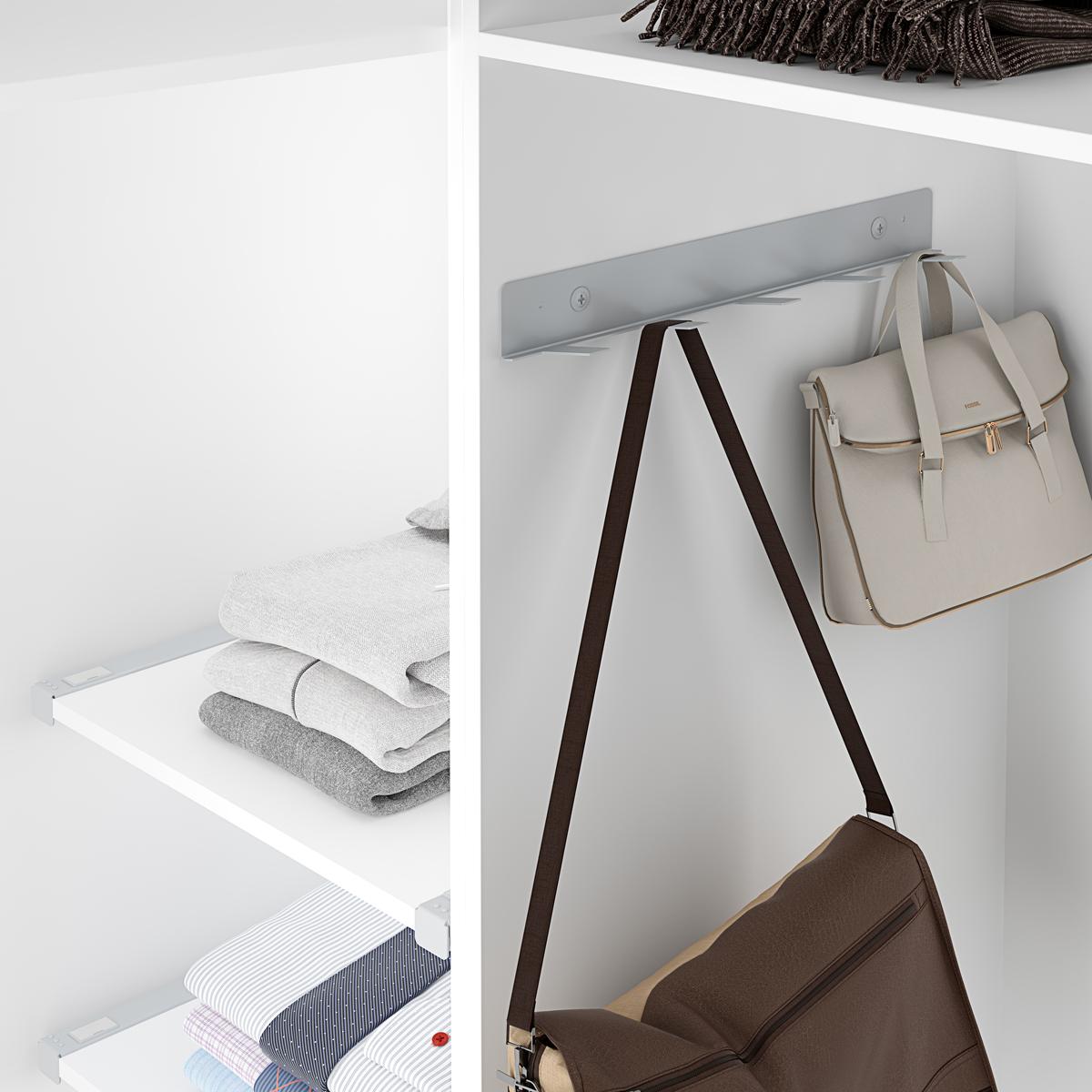 Bolsos en el armario